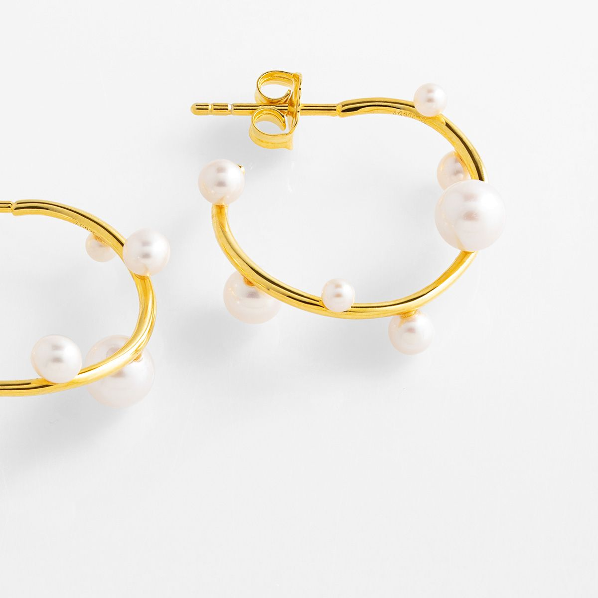 Lana - Perlenohrringe - Gold
