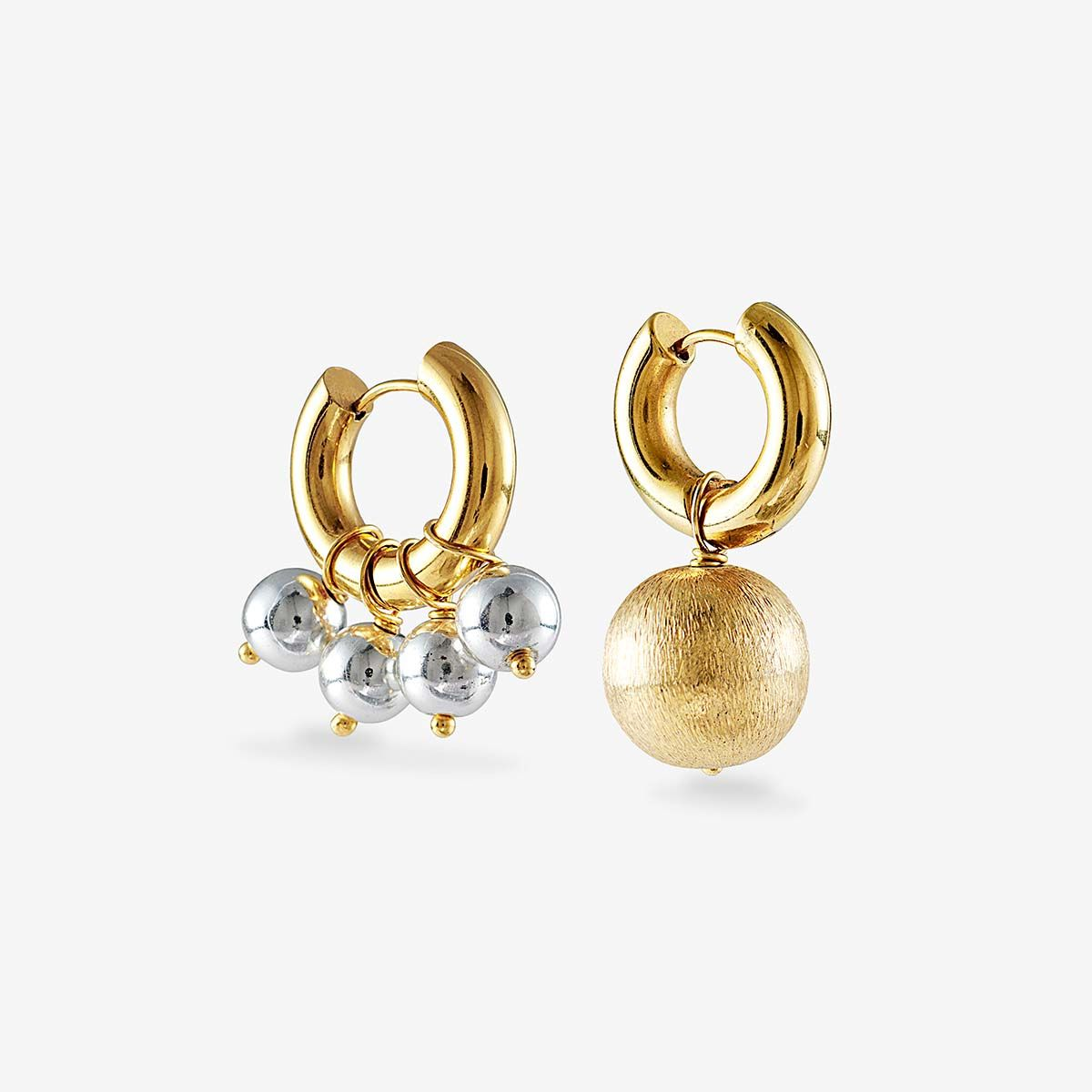 Mismatched silver and gold earrings - Creolen - 24k vergoldet