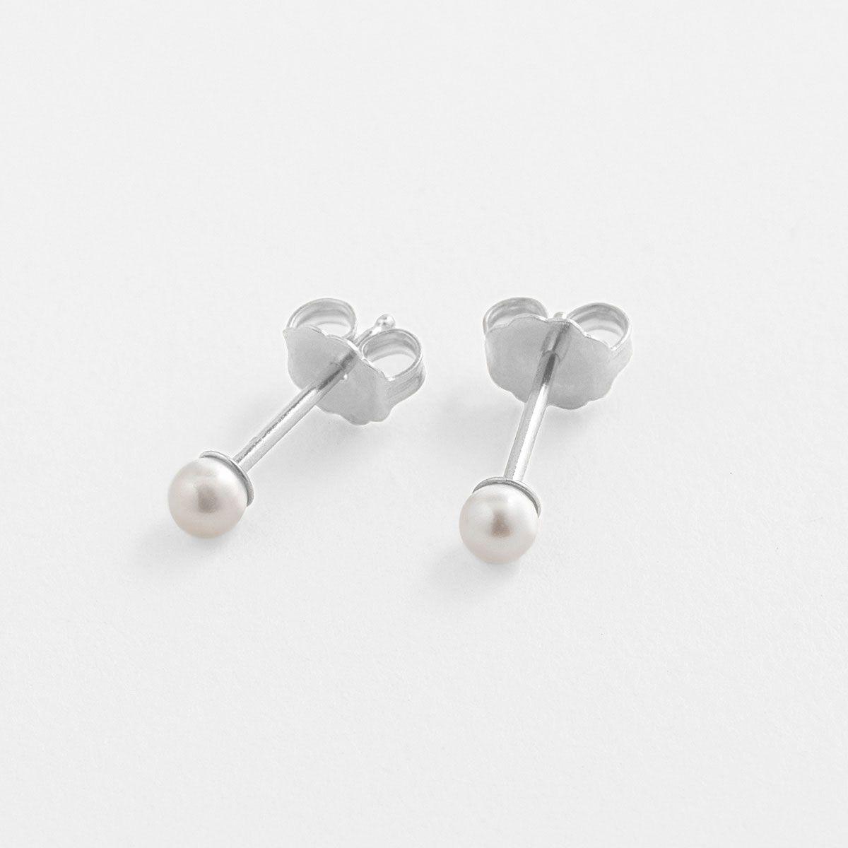 Lucia Tiny - Perlenohrringe - Silber